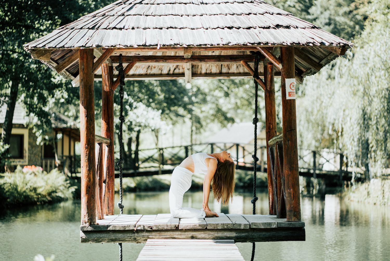 Cum te ajută Yoga să ai o viață luminoasă